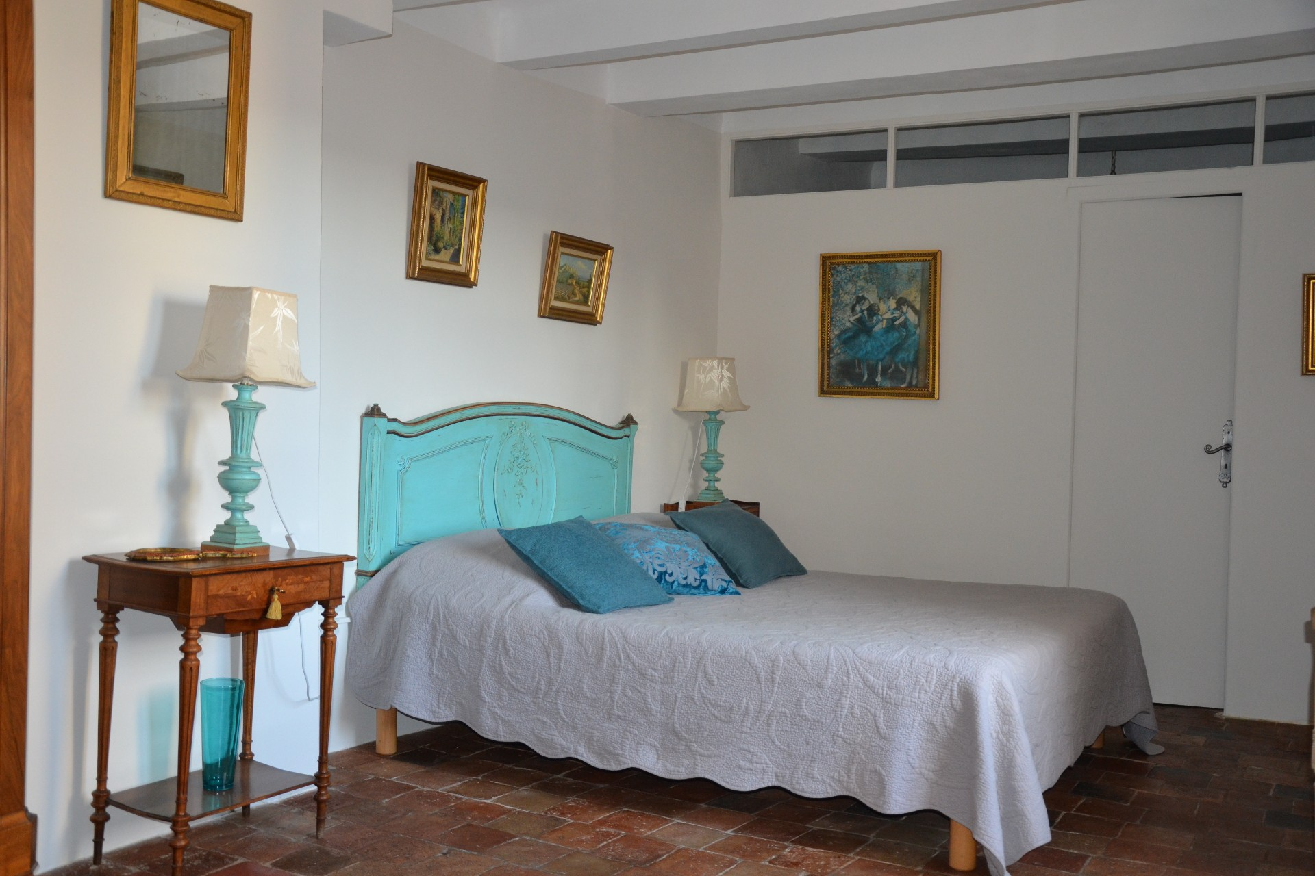 Maison saint louis besse sur issole les maisons d 39 h tes for Chambre d hotes salon de provence