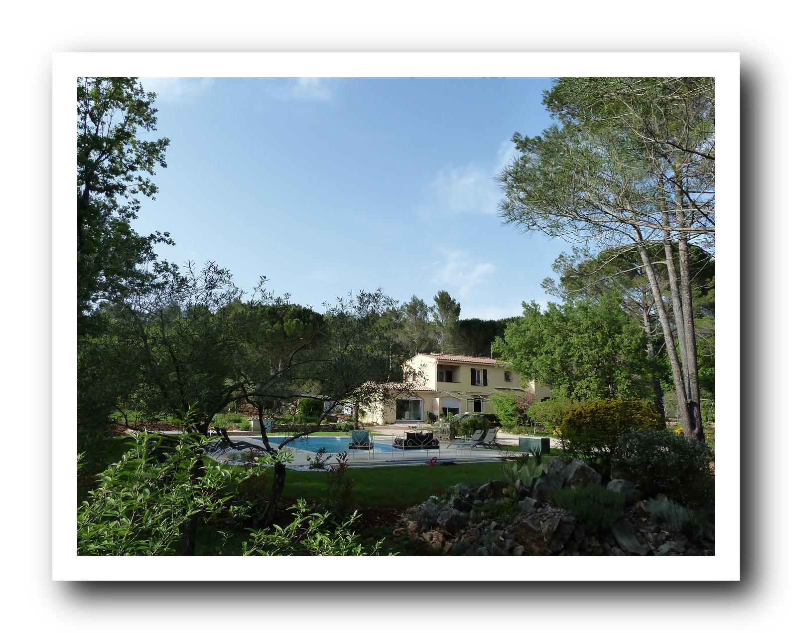 La maison de la cigale forcalqueiret les maisons d 39 h tes for A la maison de provence