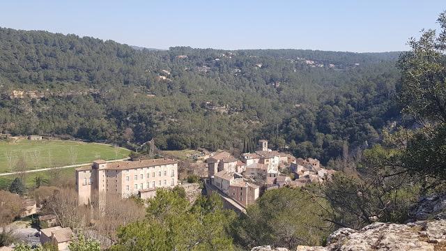village Entrecasteaux